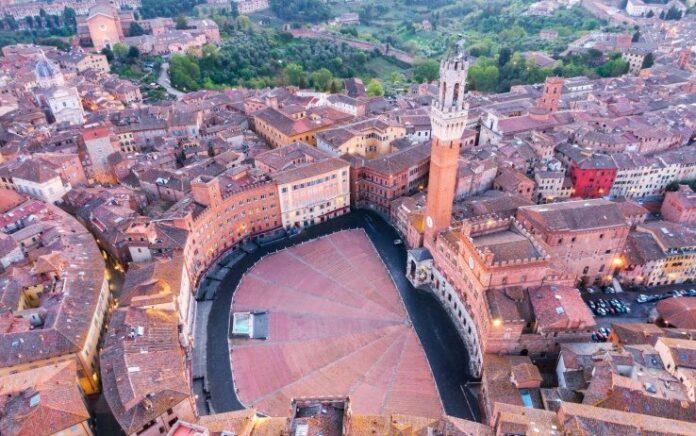 Siena, Piazza del Campo, fotografia di Fabio Muzzi