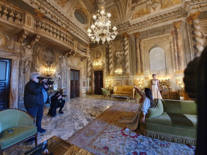Shooting Lilt, Grand Hotel Continental